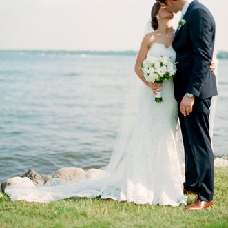 lake minnetonka summer wedding